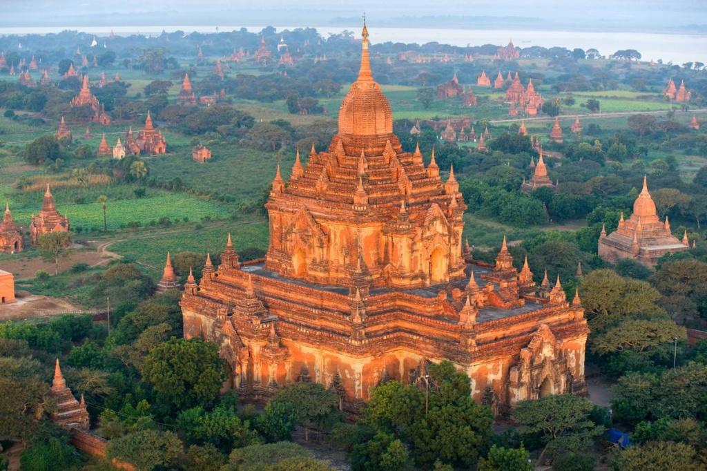 Основанный в ix веке на берегу иравади как столица бирманской империи